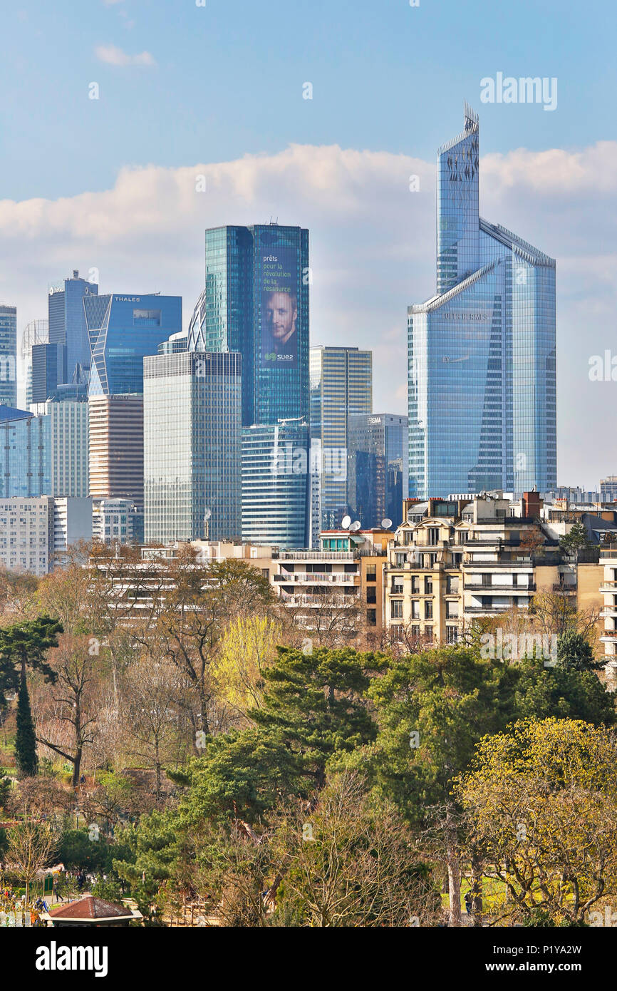 Paris, 16th district. Bois de Boulogne. Garden of acclimatization. Foundation Louis Vuitton. Architect Franck Gehry. The Defense seen since one of the terraces of the foundation. The Garden of acclimatization with the foreground. - Stock Image