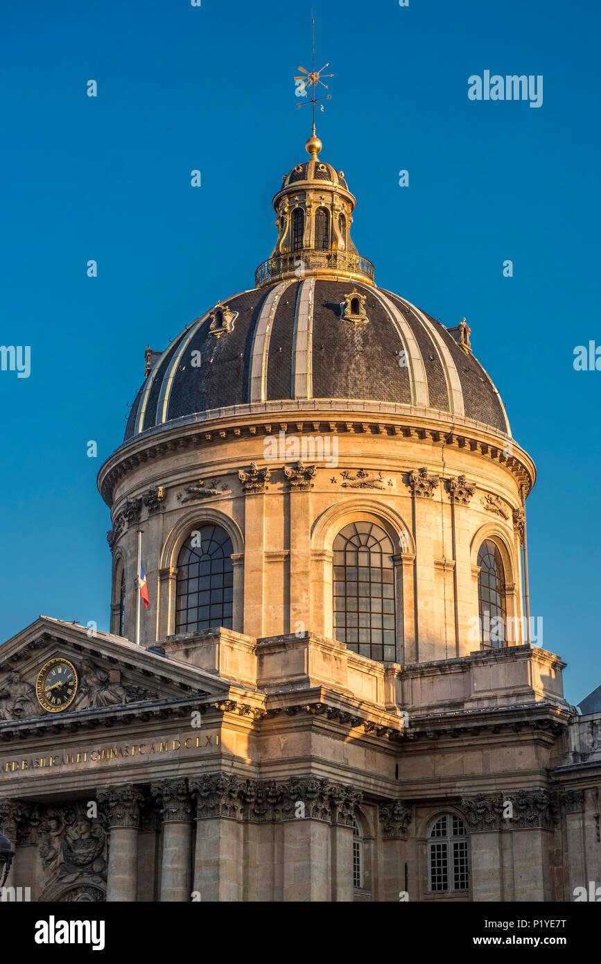France, Ile de France, Paris, 6th district, Cupola of the Institut de France, Quai de Conti - Stock Image