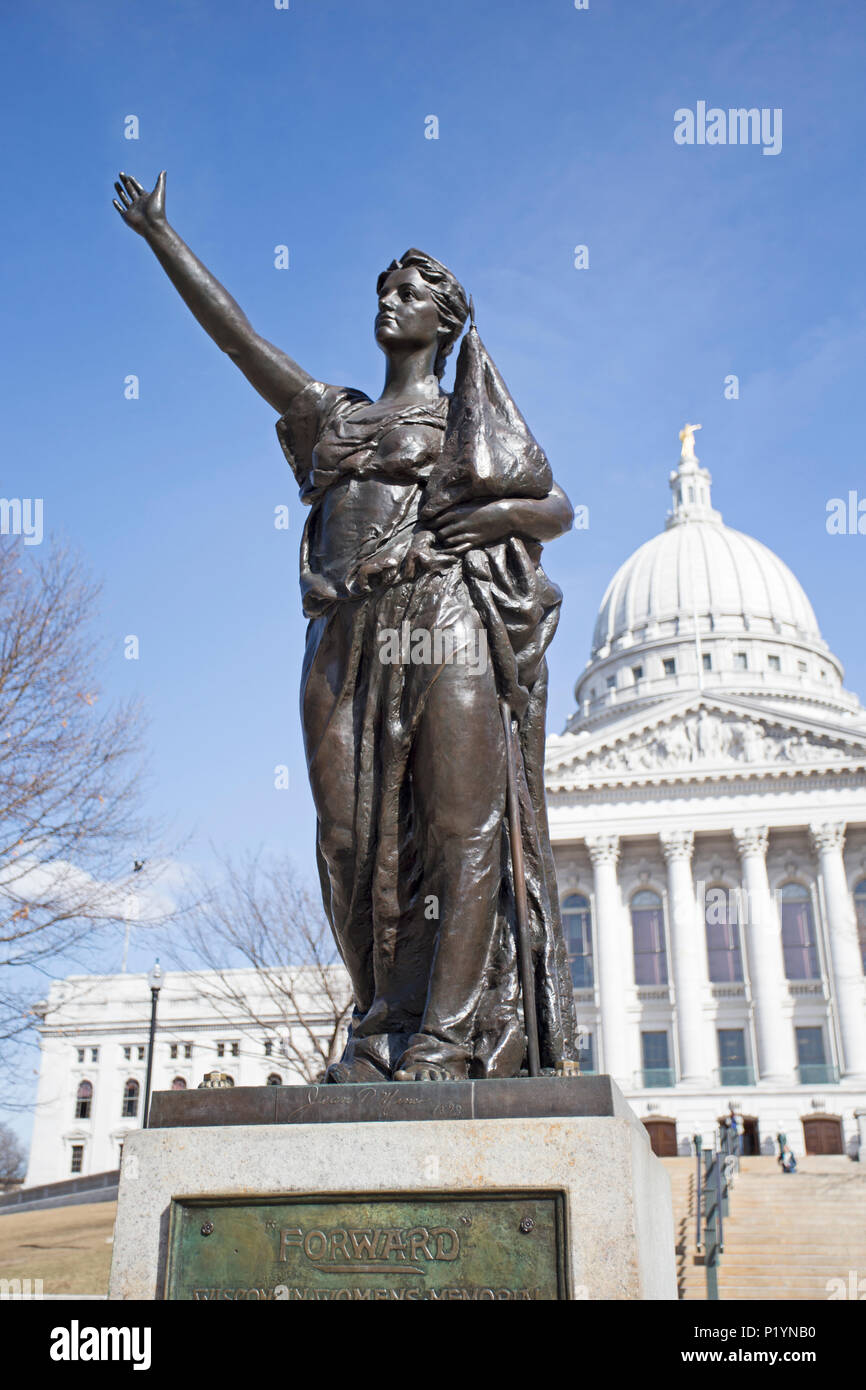State capitol building in Madison, Wisconsin with womens memorial statue - Stock Image
