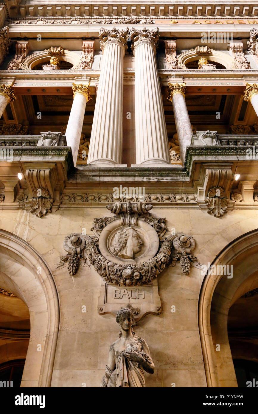Paris, 9th arrondissement, night Palais Garnier. Sculpture on the front. - Stock Image