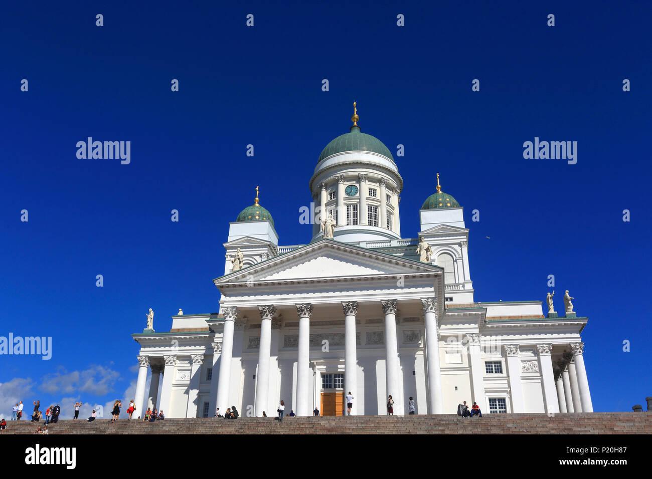 Europe, Finlande, Helsinki.  Senaatintori, Tuomiokirko, Lutheran Cathedral, dusk - Stock Image