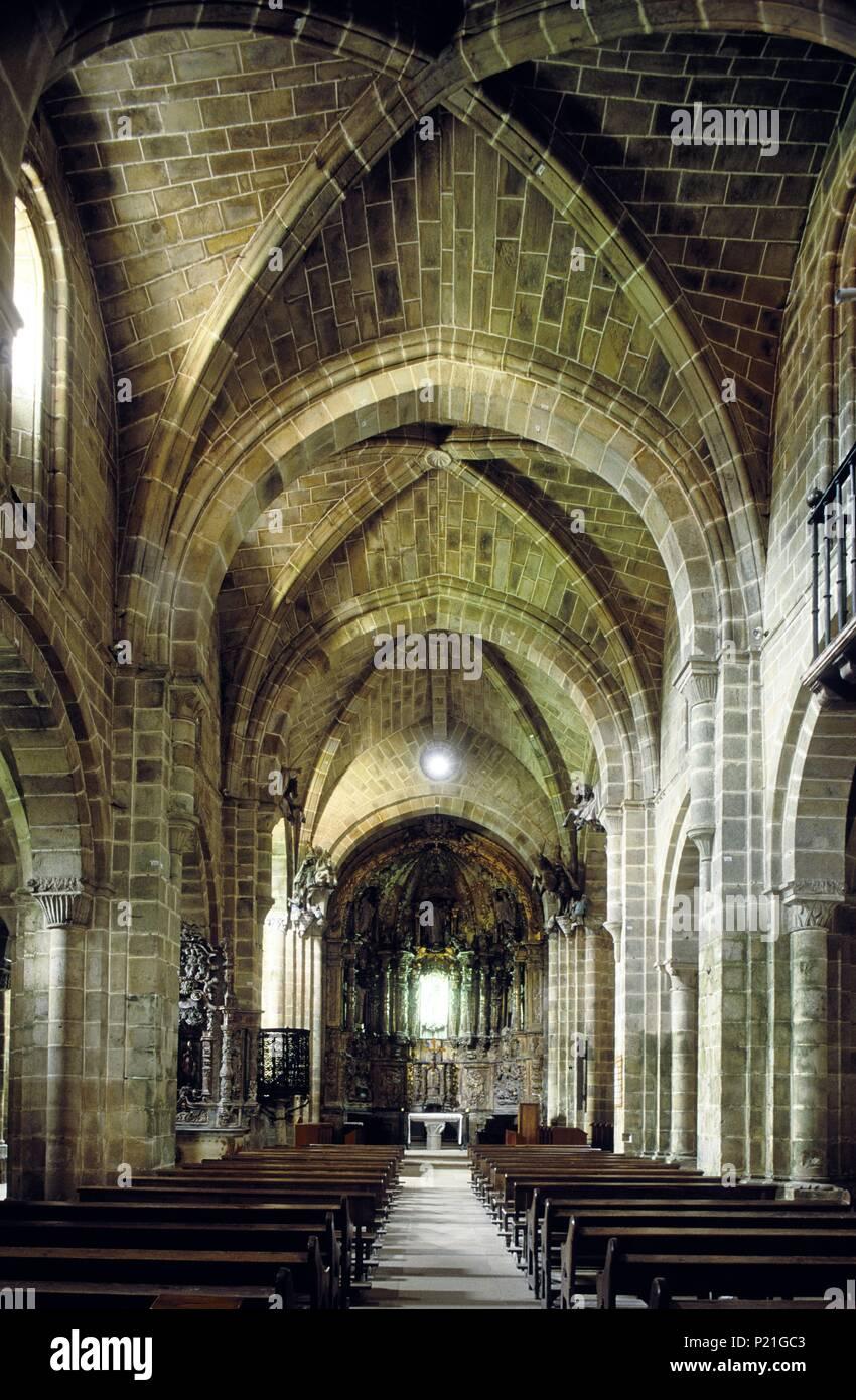 Monasterio de Valdedios; nave central (románico -cisterciense (Siglo XIII). - Stock Image