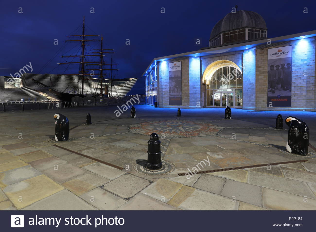 Discovery Point Visitors Centre, RRS Discovery and V&A Design Museum by night Dundee Scotland  June 2018 Stock Photo