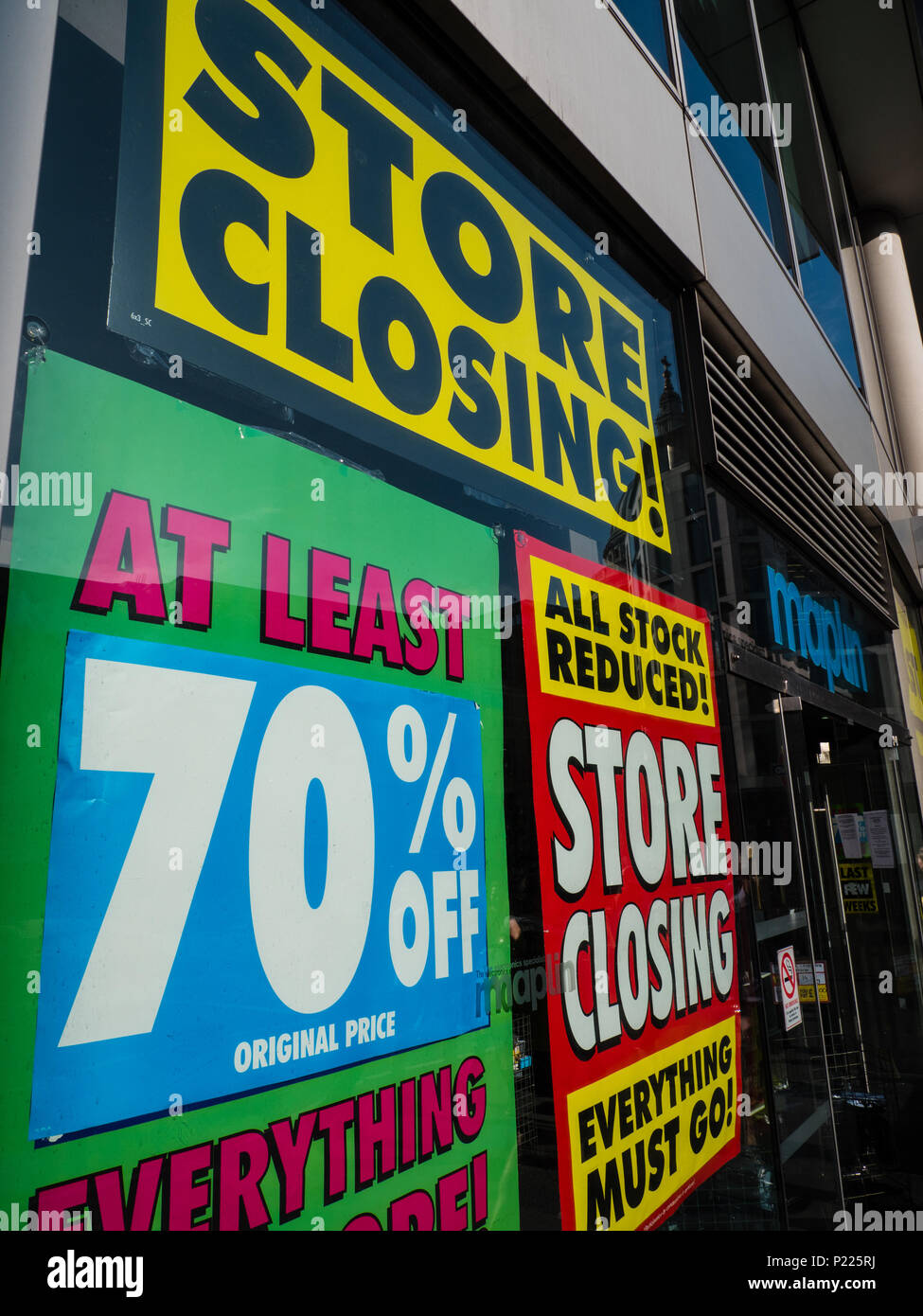 Maplin's Electronic Store Closing Down, City of London, London, England, UK, GB. - Stock Image