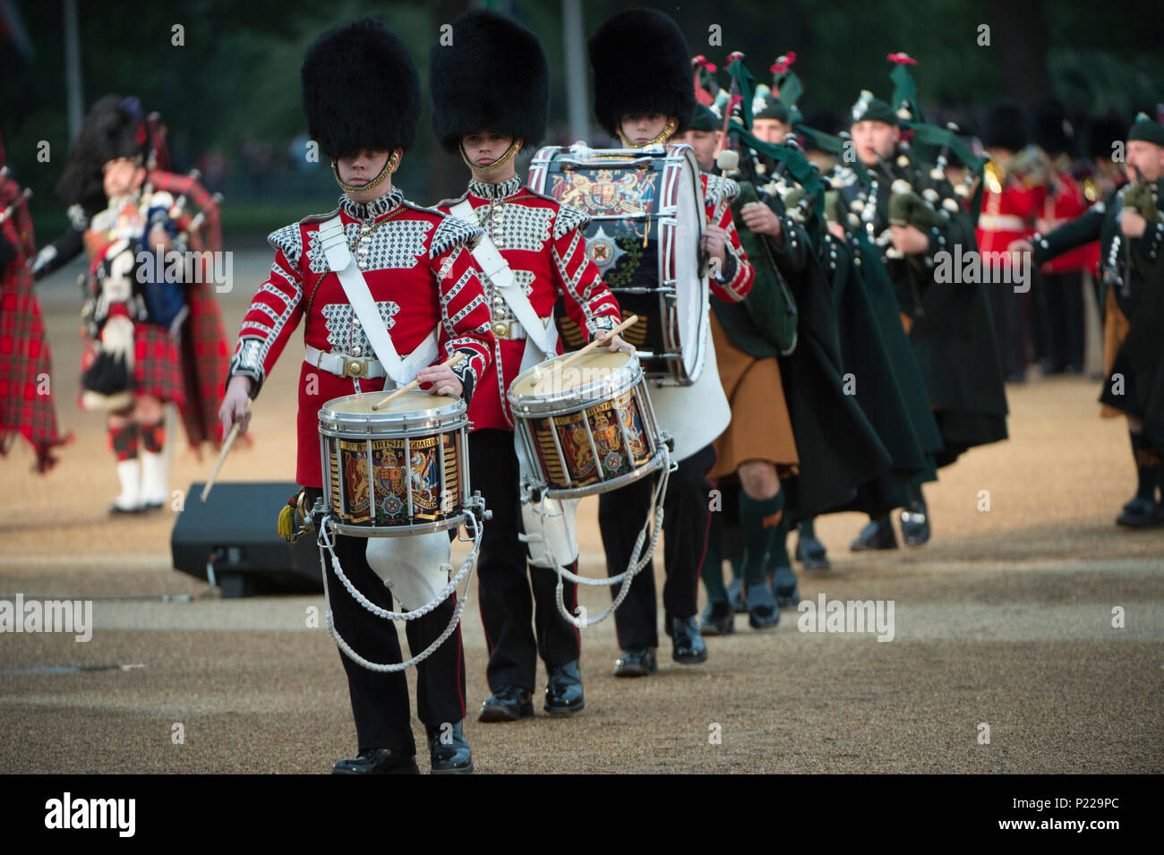 7 June 2018, London, UK. British Army Beating Retreat evening military music spectacular in Horse Guards Parade. Credit: Malcolm Park/Alamy - Stock Image