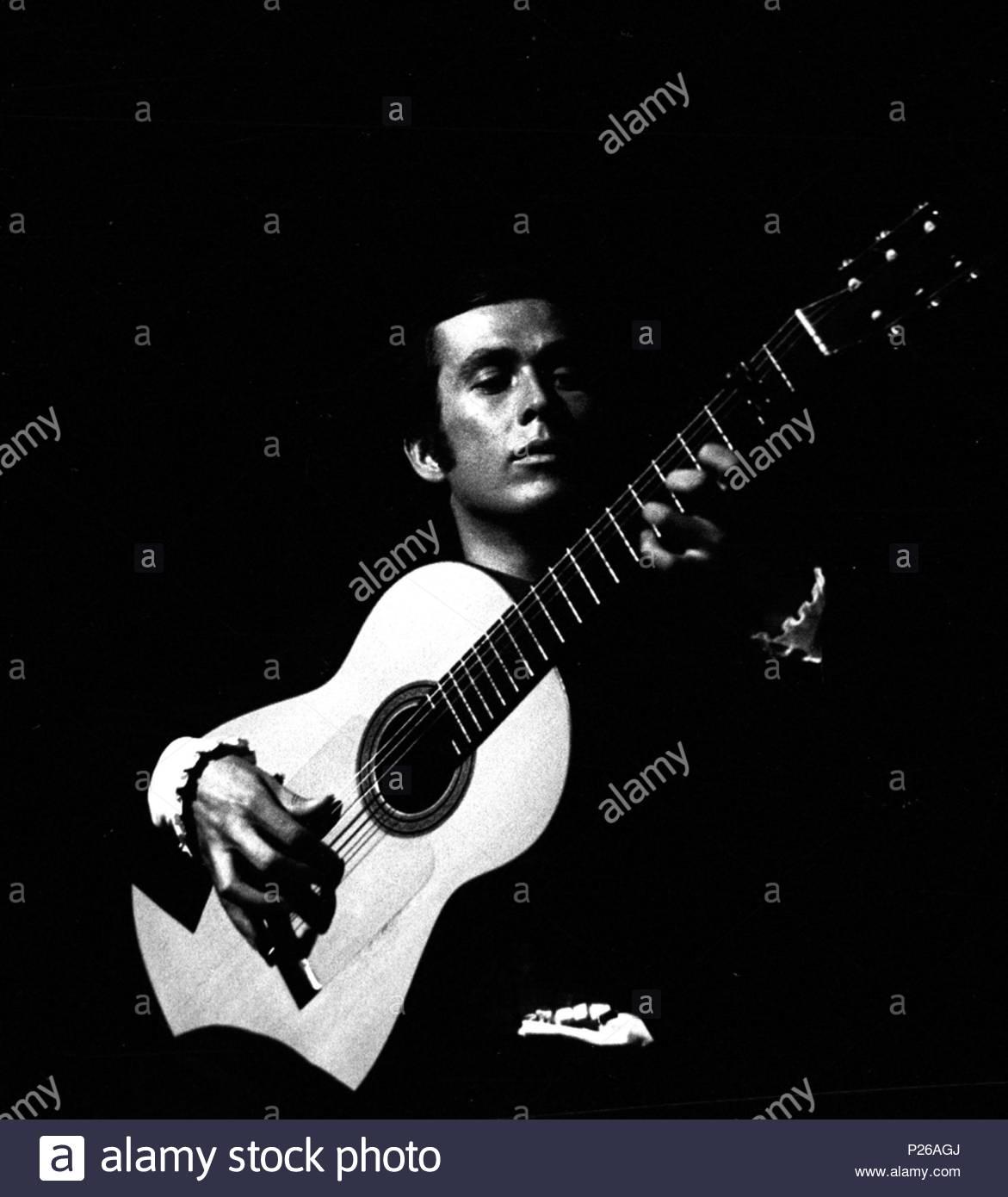 """Amy Delucia the spanish guitarist paco de lucía at the """"palau de la"""