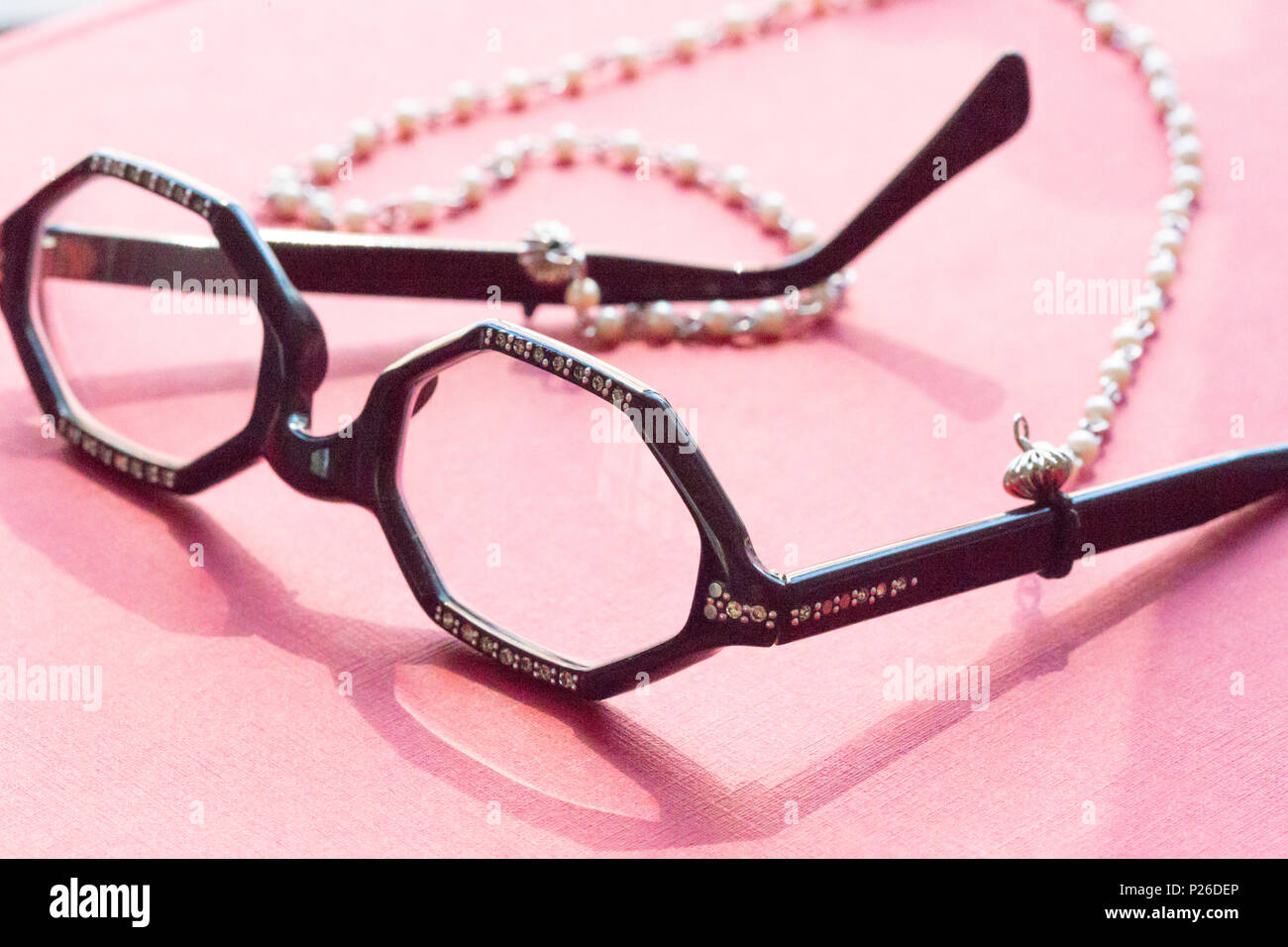 Vintage Eyeglasses on Librarian's Chain, NYC - Stock Image