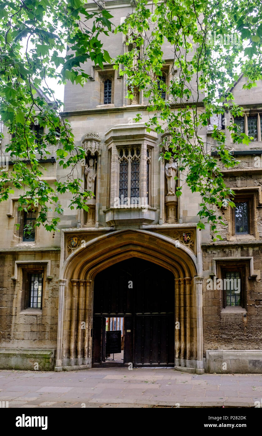 Around the university city of Oxford. St Johns college, oxford university. Stock Photo