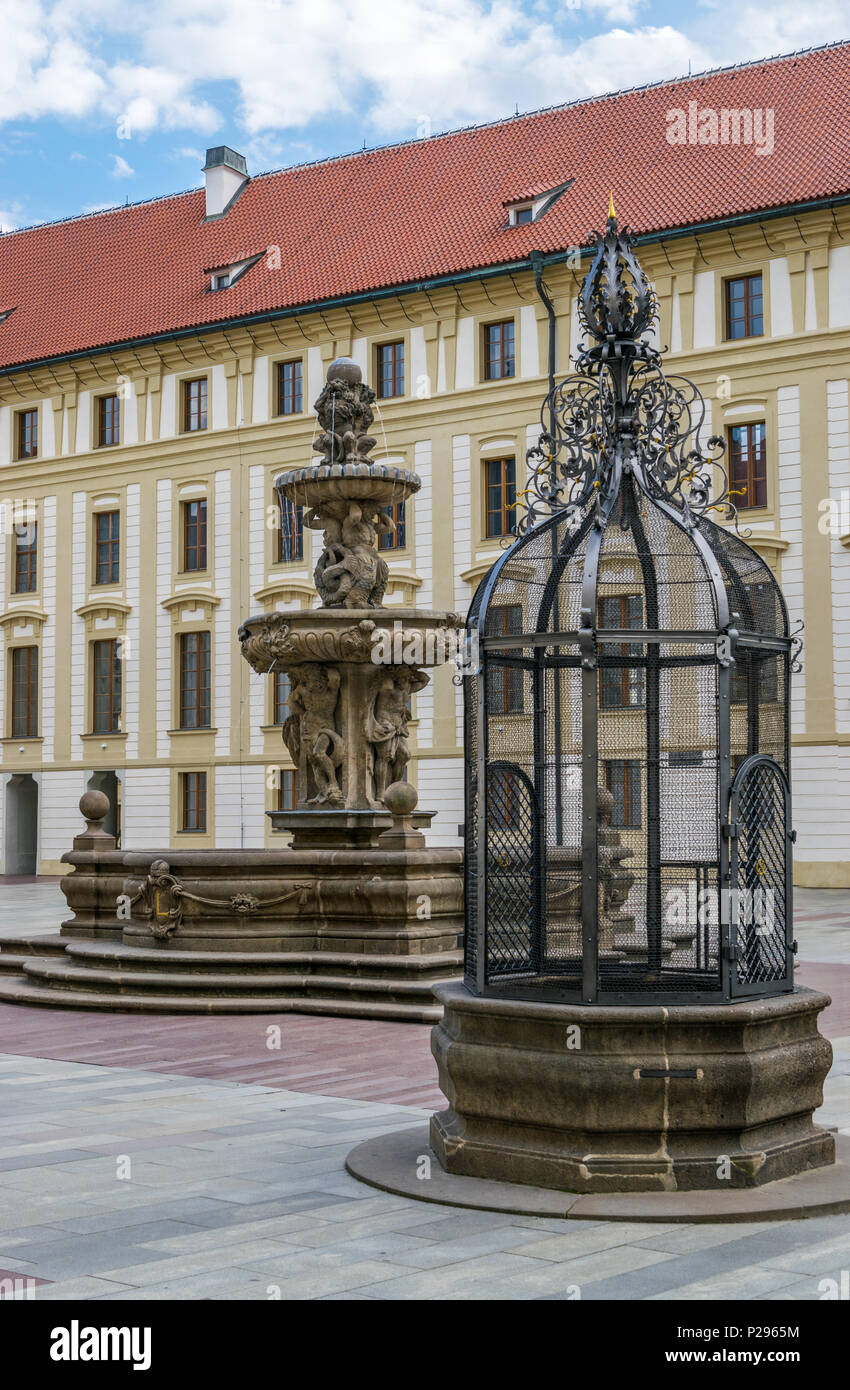 Kohl's fountain and cage of shame in Prague - Stock Image