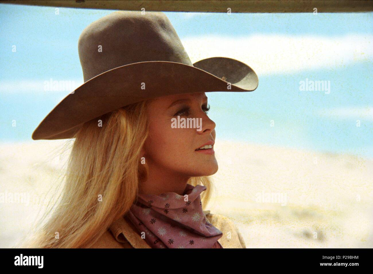 Original Film Title: THE TRAIN ROBBERS.  English Title: THE TRAIN ROBBERS.  Film Director: BURT KENNEDY.  Year: 1973.  Stars: ANN-MARGRET. Credit: WARNER BROTHERS / Album - Stock Image