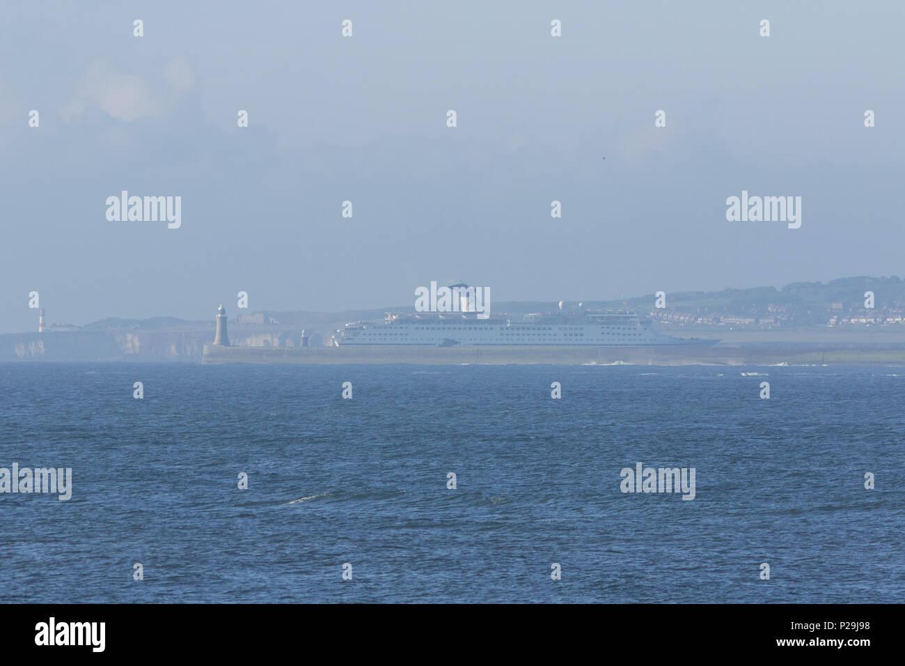 Cruise ship entering the River TYne Stock Photo