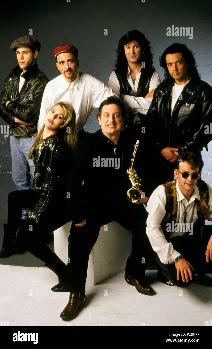 Javier Gurruchaga y otros integrantes de la 'Orquesta Mondragón'. Stock Photo