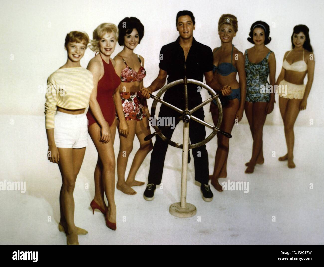 "1962 ELVIS PRESLEY in the Movies Photo /""GIRLS GIRLS GIRLS/"" STUDIO POSE 003"