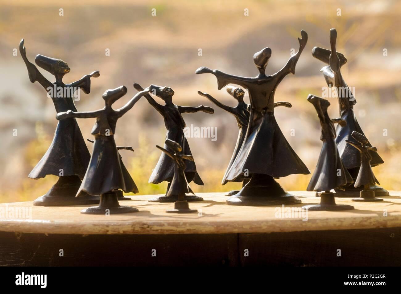 Turkey, Central Anatolia, Nevşehir province, Cappadocia UNESCO World Heritage Site, Göreme, statuettes of whirling dervishes - Stock Image