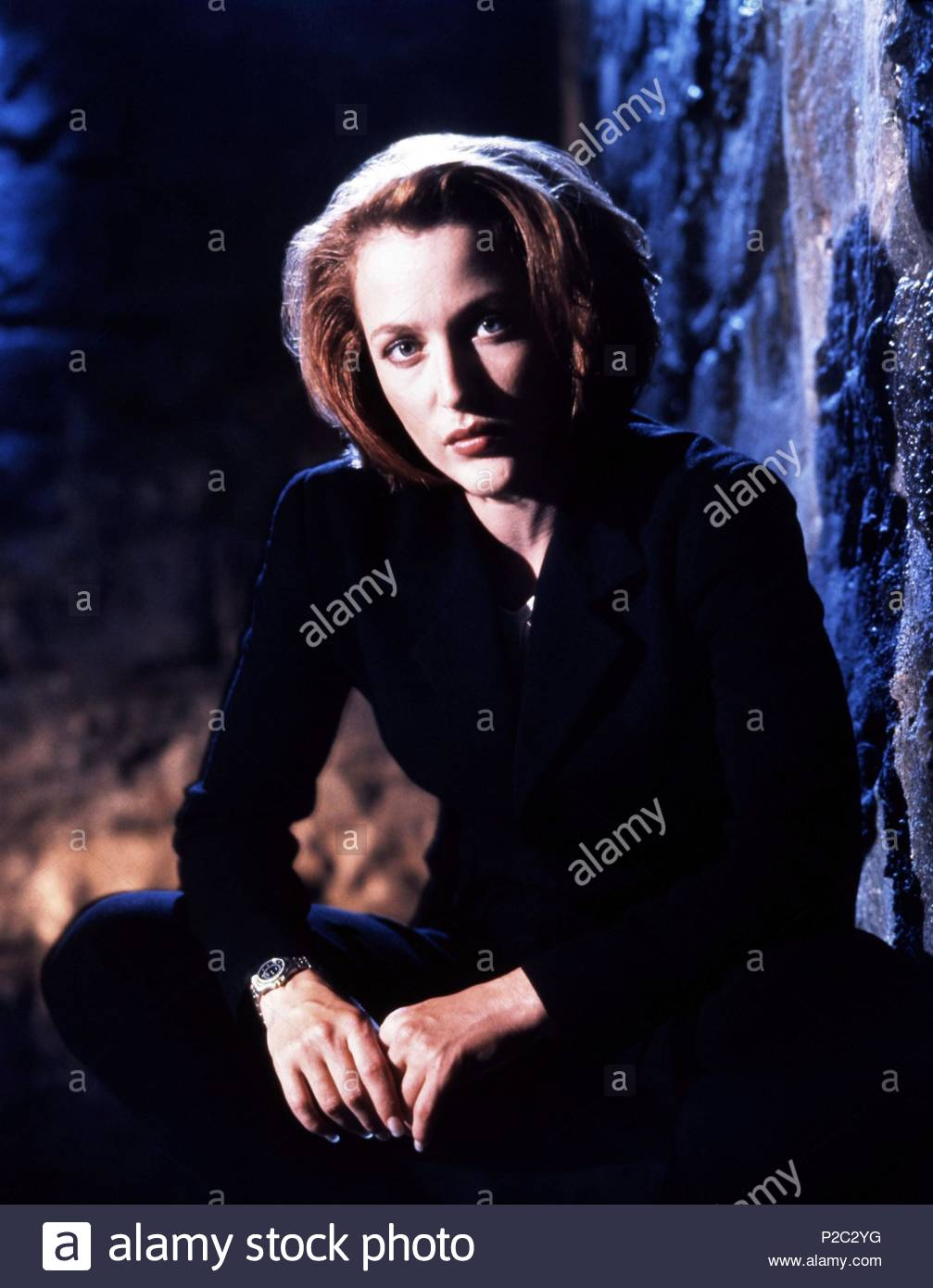 Original Film Title: THE X FILES.  English Title: THE X FILES.  Film Director: CHRIS CARTER; ROB BOWMAN; DAVID NUTTER.  Year: 1993.  Stars: GILLIAN ANDERSON. Credit: FOX FILMS / SELIGER, MARK / Album - Stock Image