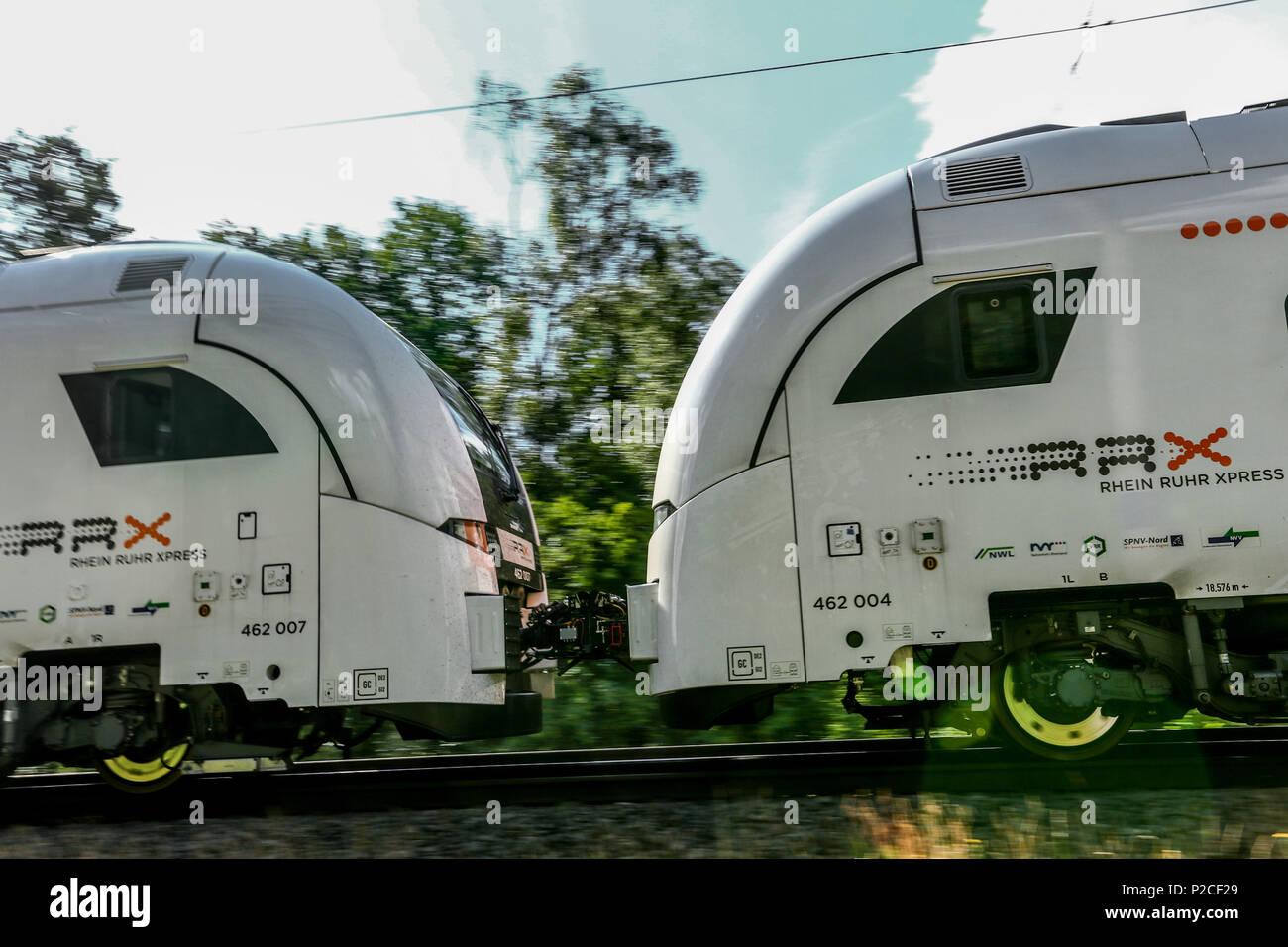 Derzeit entsteht im Siemens Werk Krefeld-Uerdingen die neue Generation von Fahrzeugen fuer den Nahverkehr in der Rhein-Ruhr-Region. Der Siemens Desiro HC ist eine Kombination aus Elektro-Triebzug und Doppelstockwagen. - Die Deisro HC-Triebwagen werden zukuenftig als Doppeleinheit verkehren und bieten so ueber 800 Fahrgaesten Platz. - Stock Image