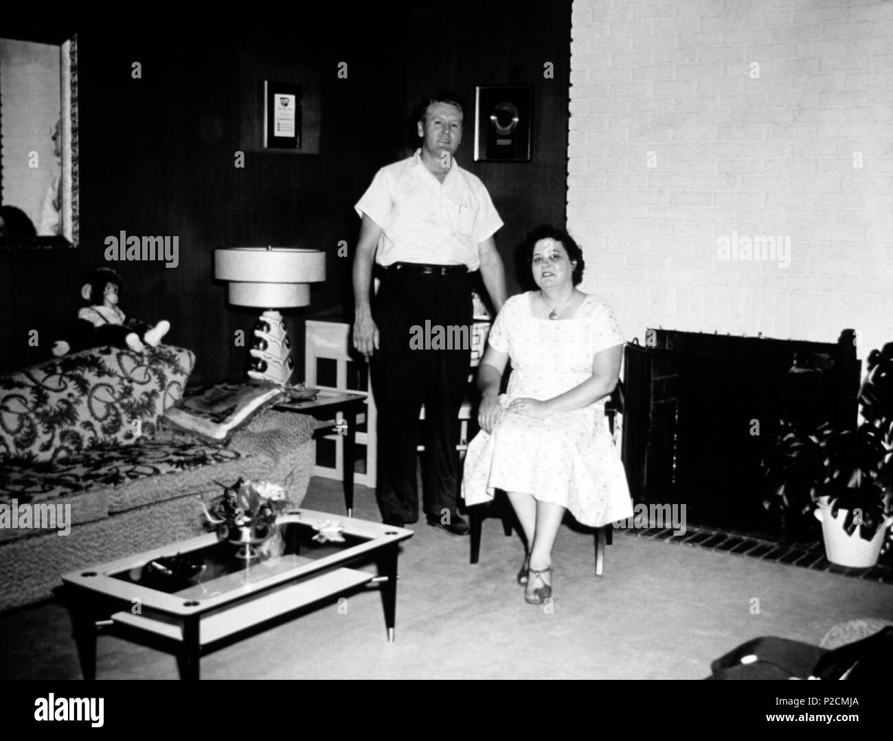 Elvis Presley mother, Gladys Presley, and his father Vernon Presley in their home at Audubon. Stock Photo