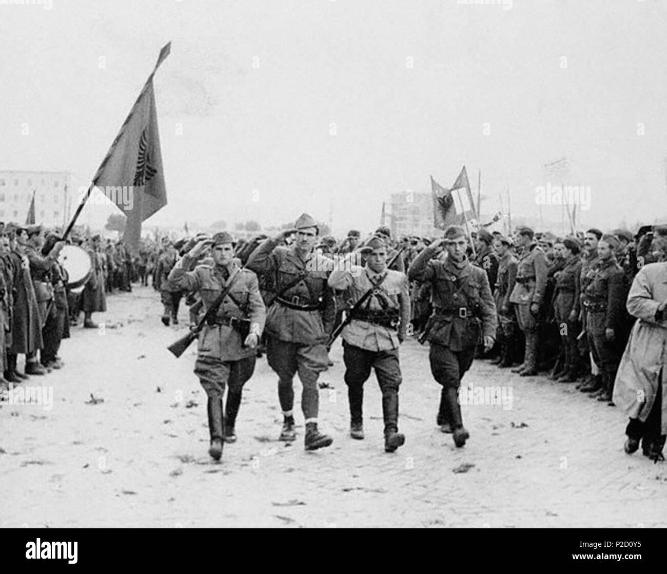 . English: Albanian partisans marching in Tirana in 1944 . 20 November 1944. Unknown 63 Tirana Albania 1944-11-20 - Stock Image