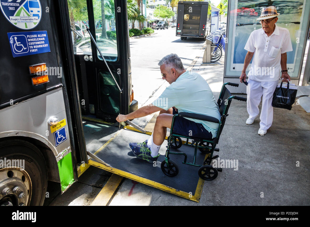 Disabled Ramp Bus Stock Photos & Disabled Ramp Bus Stock ...
