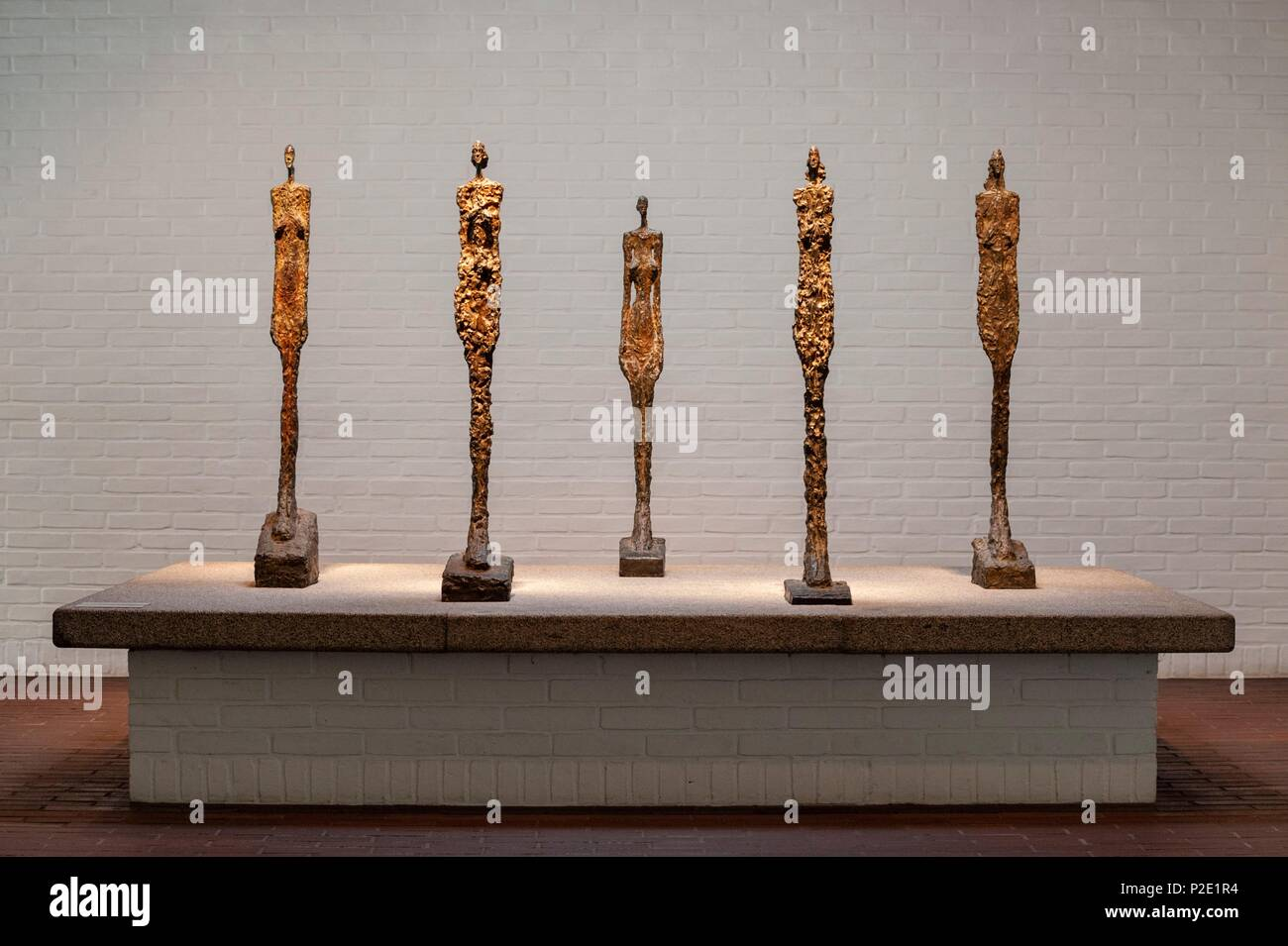 Denmark, Seeland, Humlebaek, Louisiana Museum of Modern Art designed by architects Jørgen Bo and Wilhlem Wohlert and inaugurated in 1959, statues by Alberto Giacometti - Stock Image