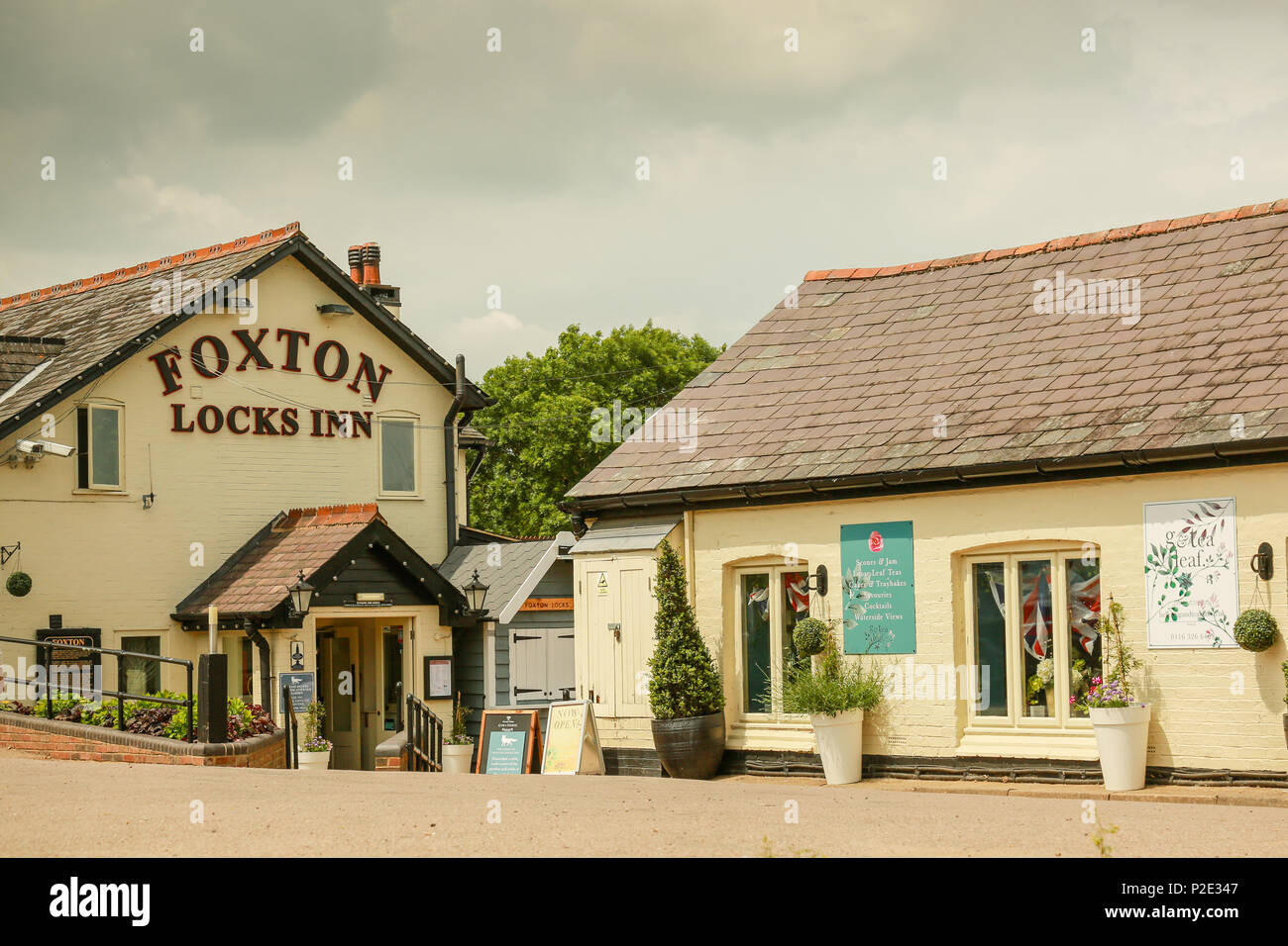 The restaurant and pub at Foxton Locks - Stock Image