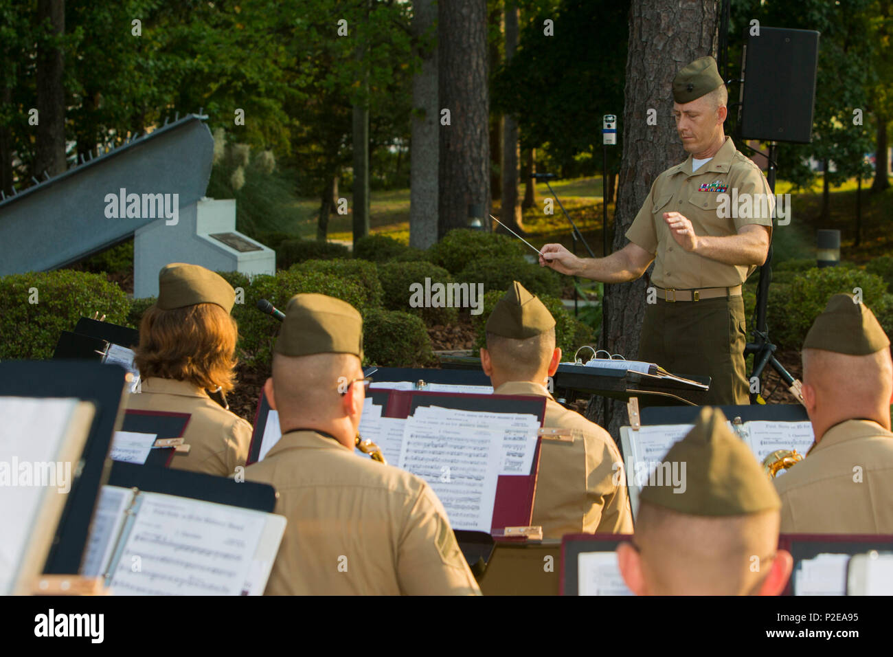 U.S. Marines, 2nd Marine Division Band, play the National anthem ...