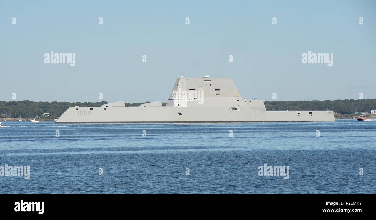 160912-N-CS971-020 NEWPORT, R.I. (Sept. 12, 2016) The guided-missile destroyer Pre-Commissioning Unit (PCU) Zumwalt (DDG 1000) departs from Naval Station Newport, Rhode Island following its maiden voyage from Bath Iron Works Shipyard in Bath, Maine. The port visit marked Zumwalt's first stop before the ship ultimately sails to her new homeport of San Diego. During the transit, the ship is scheduled to take part in training operations, a commissioning ceremony in Baltimore and various additional port visits. Zumwalt is named for former Chief of Operations Elmo R. Zumwalt and is the first in a t - Stock Image