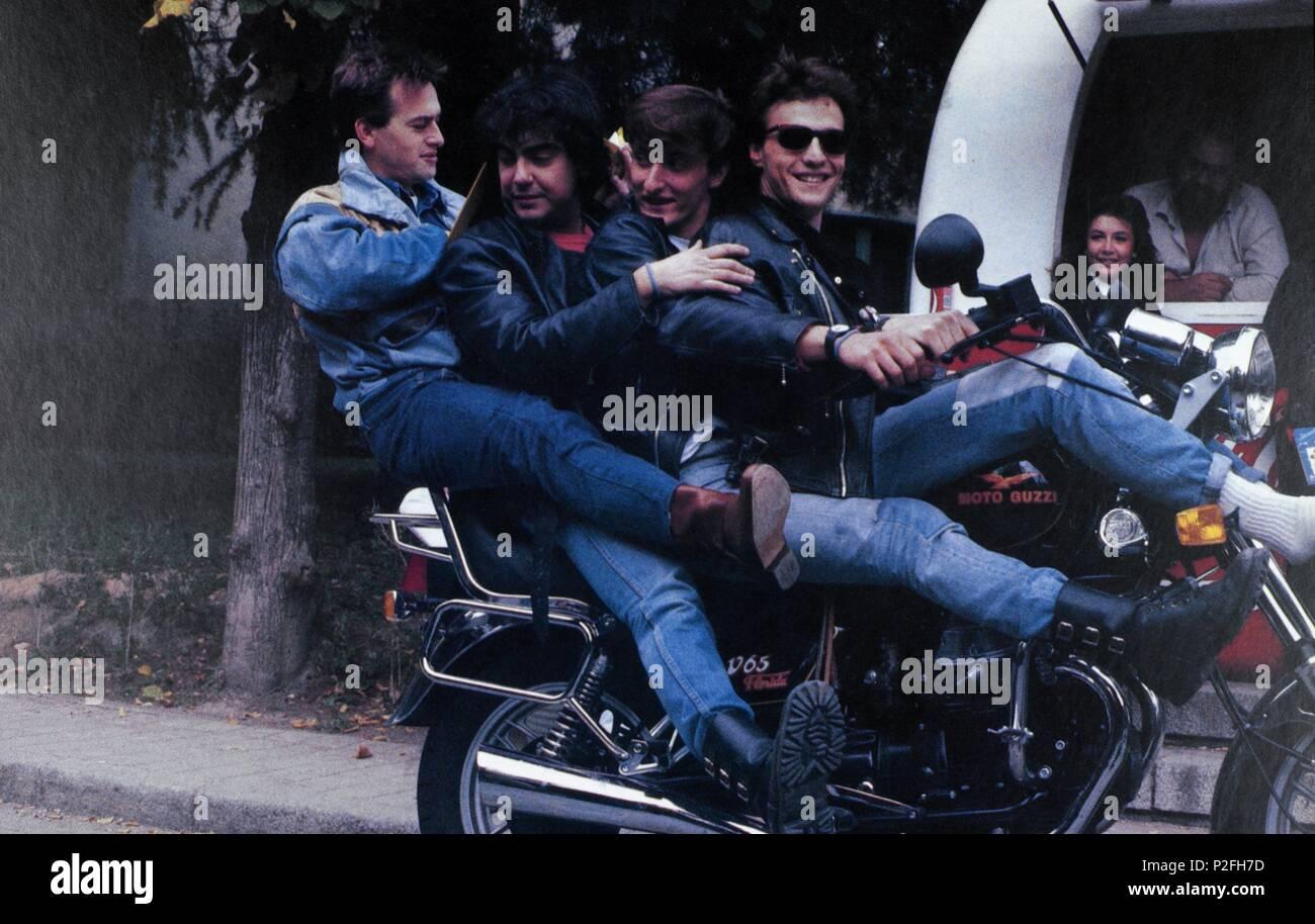 Original Film Title: SUFRE MAMON.  English Title: SUFRE MAMON.  Film Director: MANUEL SUMMERS.  Year: 1987. - Stock Image