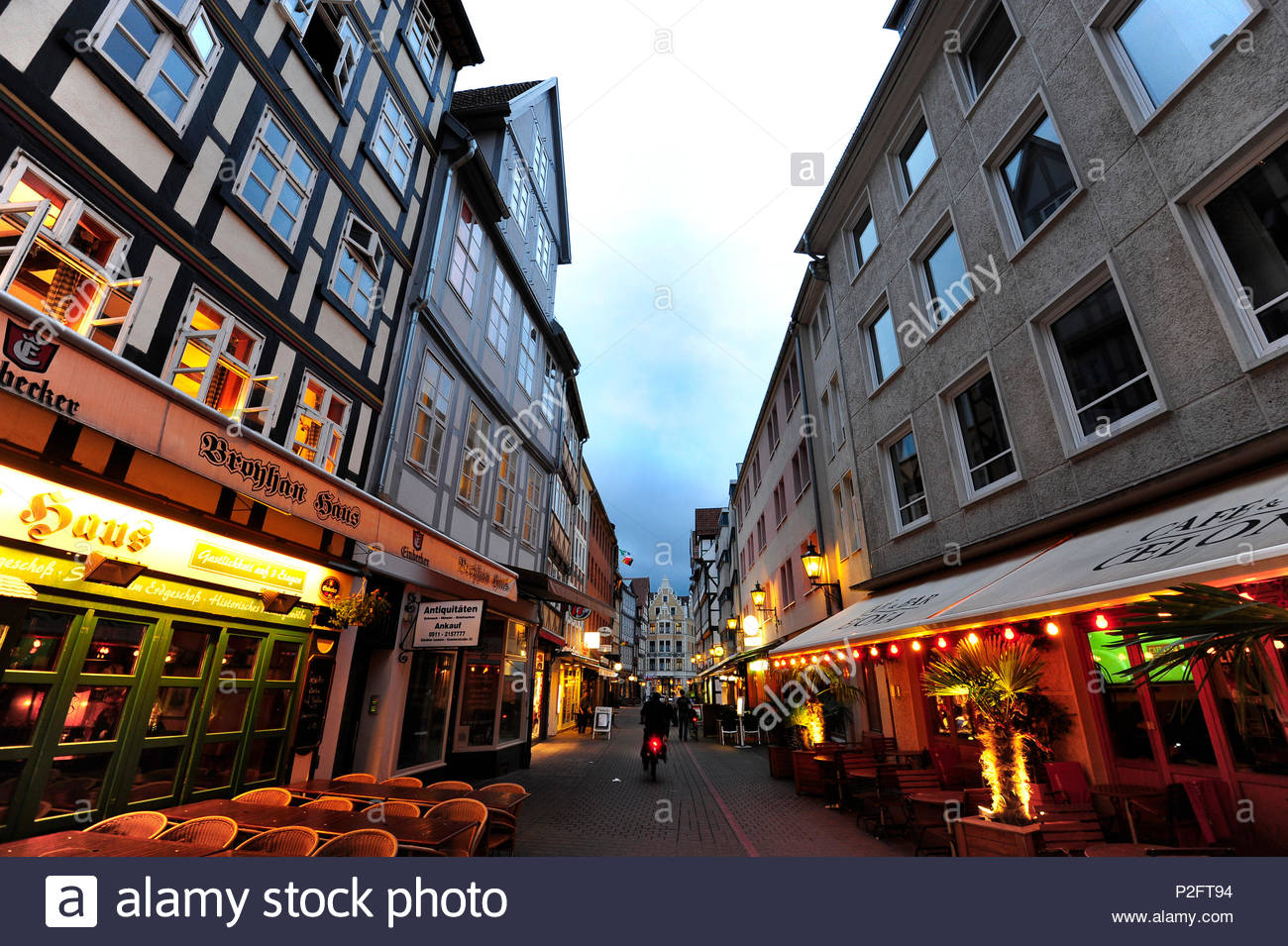 Kramerstrasse in the evening, historic city centre, Hanover, Hannover, Lower Saxony, Germany - Stock Image