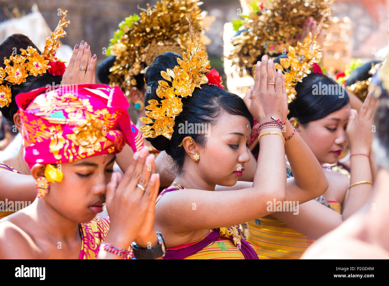 Balinese People Praying Odalan Temple Festival Sidemen