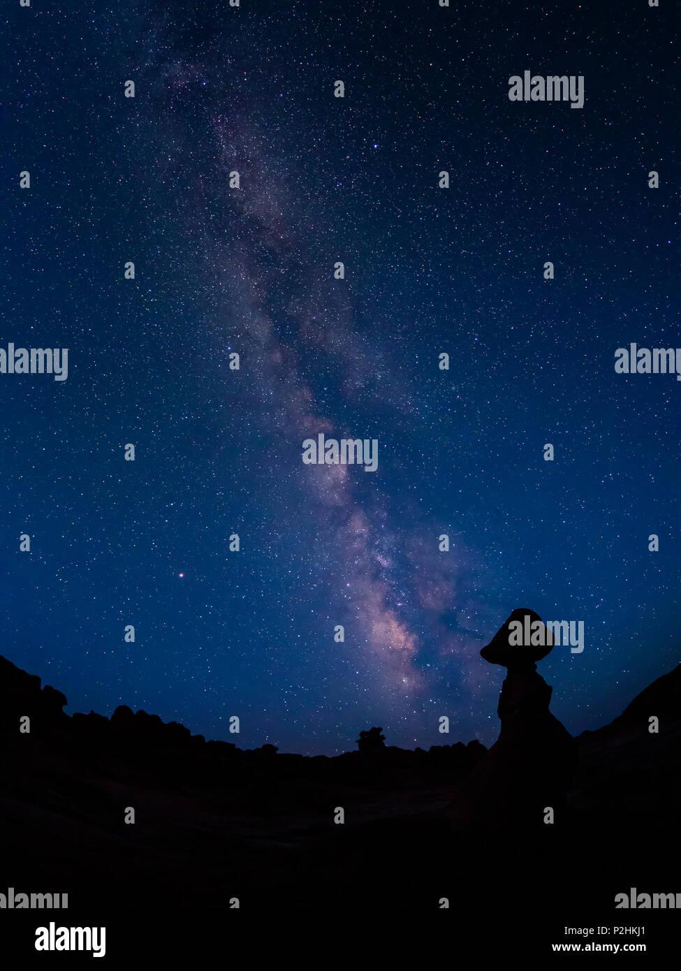 Milky Way and hoodoos, Goblin Valley State Park, Utah. - Stock Image