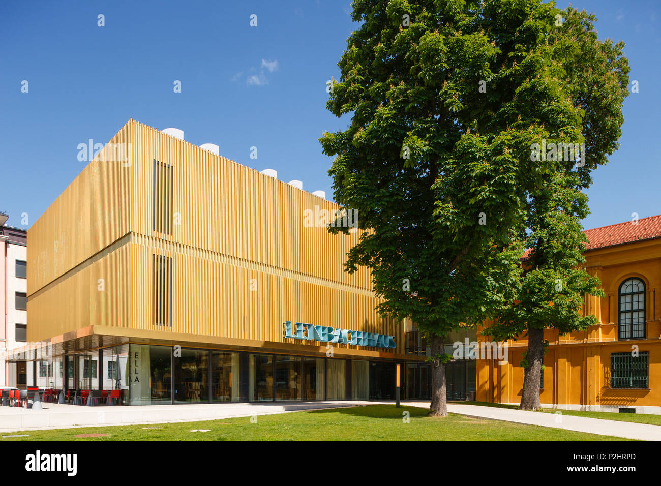 Lehnbachhaus, art Museum, extension of the existing building by architect Norman Foster and Partners, Staedtische Galerie im Leh - Stock Image
