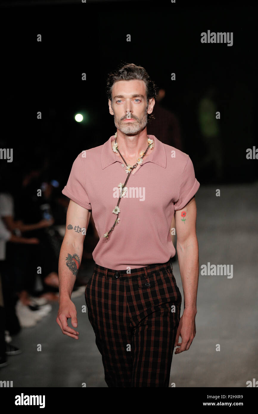 London Fashion Week Mens British Designer Oliver Spencer Rehearsals Summer Spring 2019 Fashion Collection At British Fashion Council Show Space Stock Photo Alamy