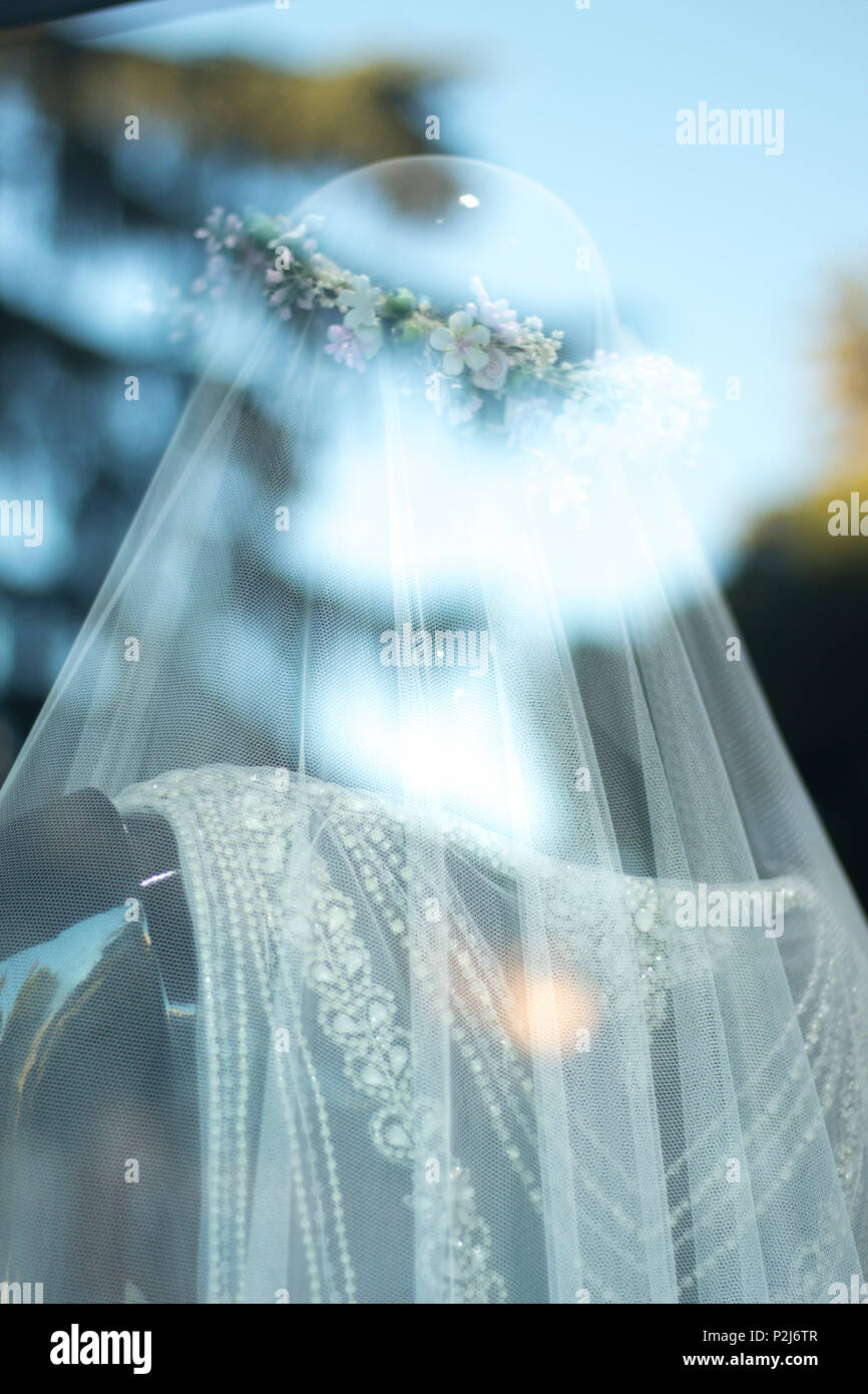 Window Dummy In Wedding Dress Stock Photos & Window Dummy In Wedding ...