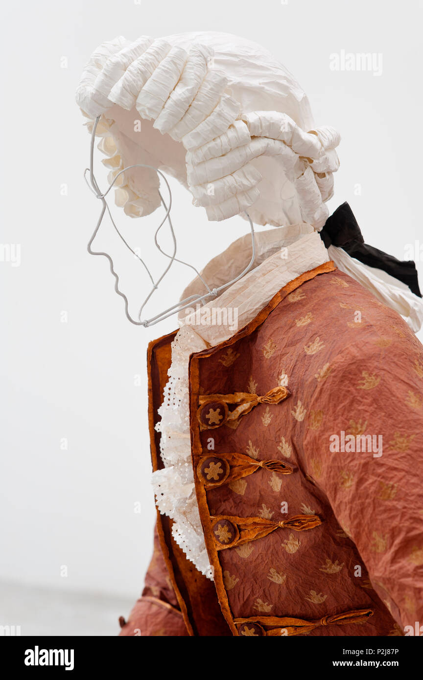 Mannequin wearing paper 18th century style wig - Stock Image