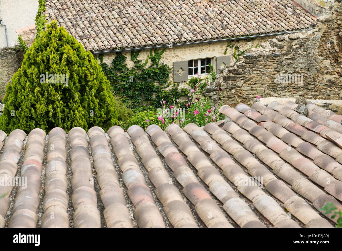 House roof in Grignan, Departement Drome, Region Rhones-Alpes, Provence, France - Stock Image