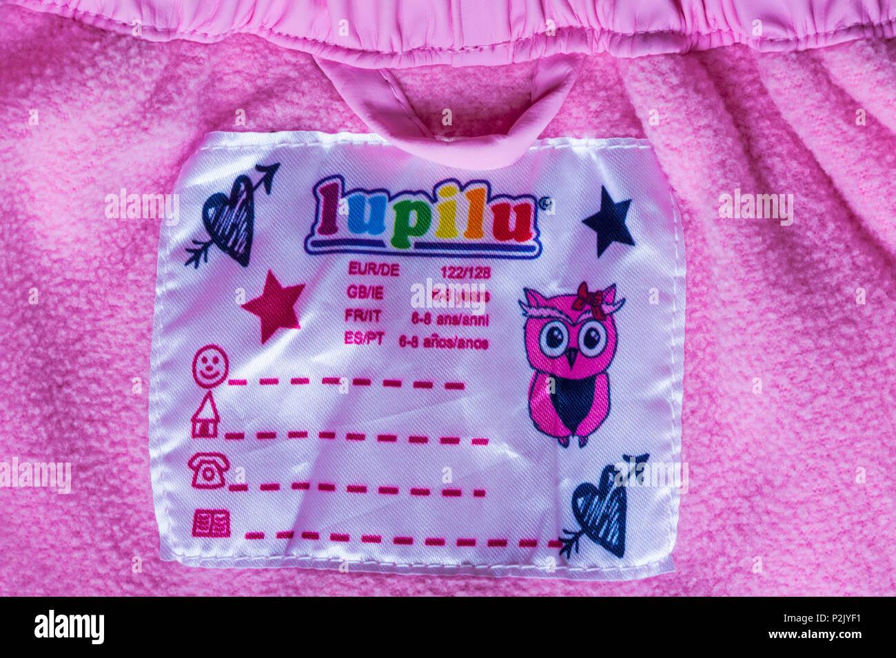 lupilu label in girls leggings 6-8 years - Stock Image