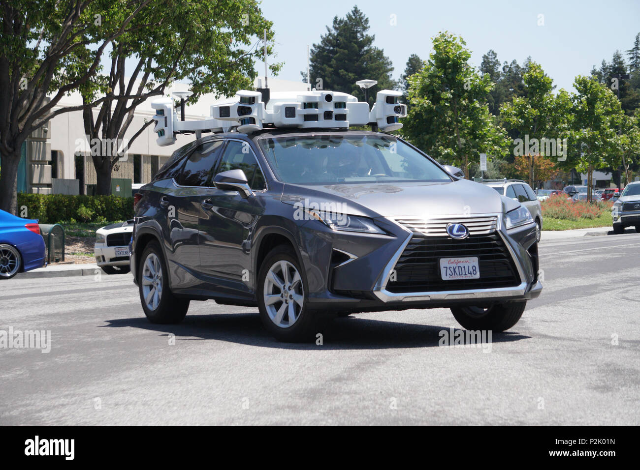 unmarked-self-driving-vehicle-in-silicon