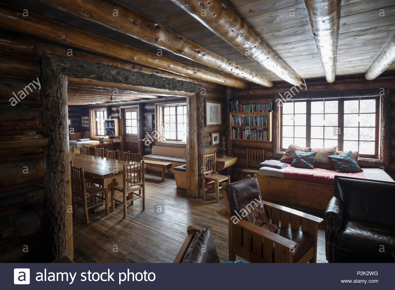 Rustic log cabin interior - Stock Image
