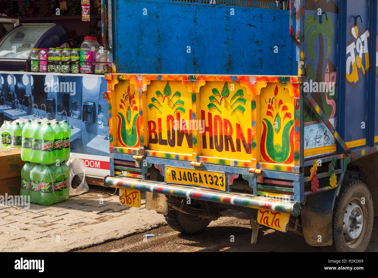Indian Lorry Stock Photos & Indian Lorry Stock Images - Alamy