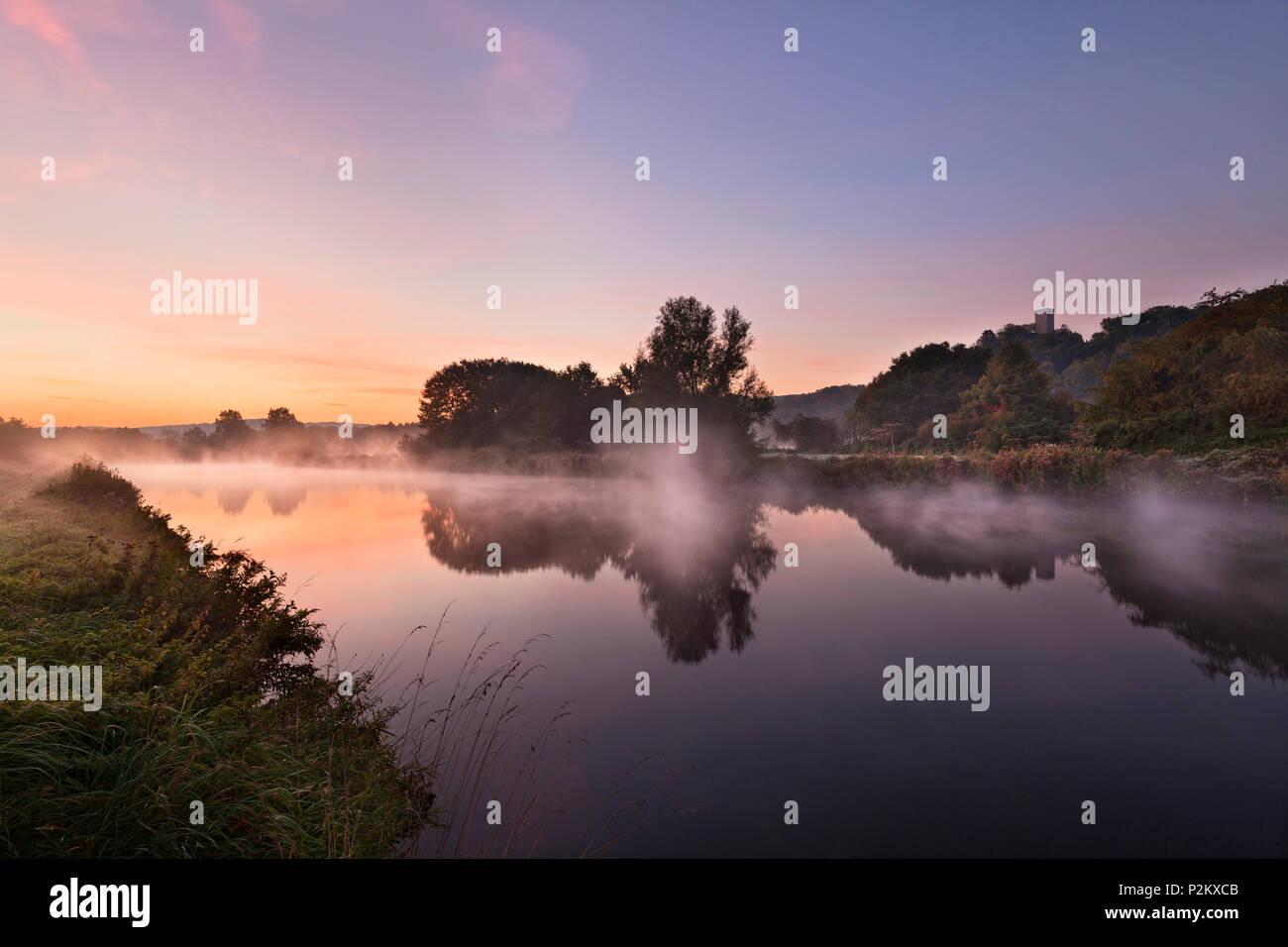 Morning mist, Ruhr river with Blankenstein castle, near Hattingen, Ruhr area, North-Rhine Westphalia, Germany - Stock Image