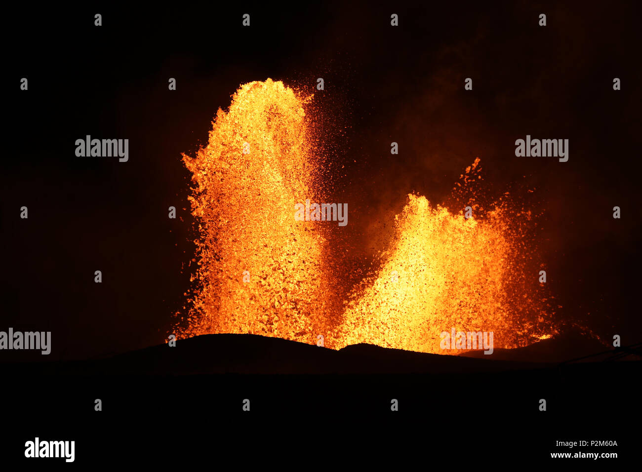 Lava fountain of Kilauea volcano in Hawaii at the end of May 2018, Fissure 8 - Stock Image
