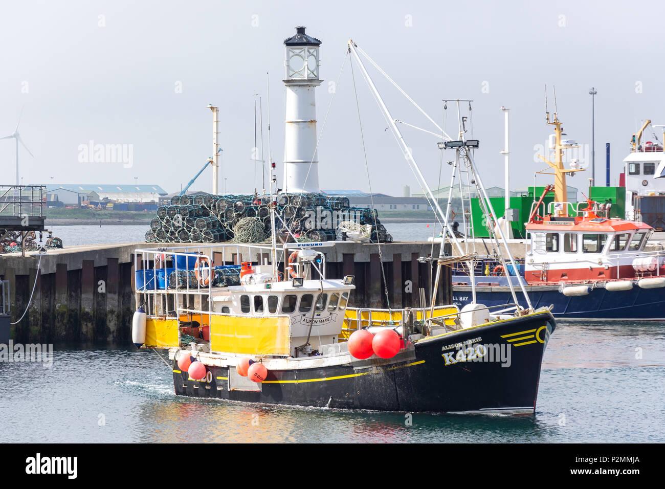Fishing boat entering harbour, Kirkwall, Mainland, Orkney Islands, Northern Isles, Scotland, United Kingdom - Stock Image
