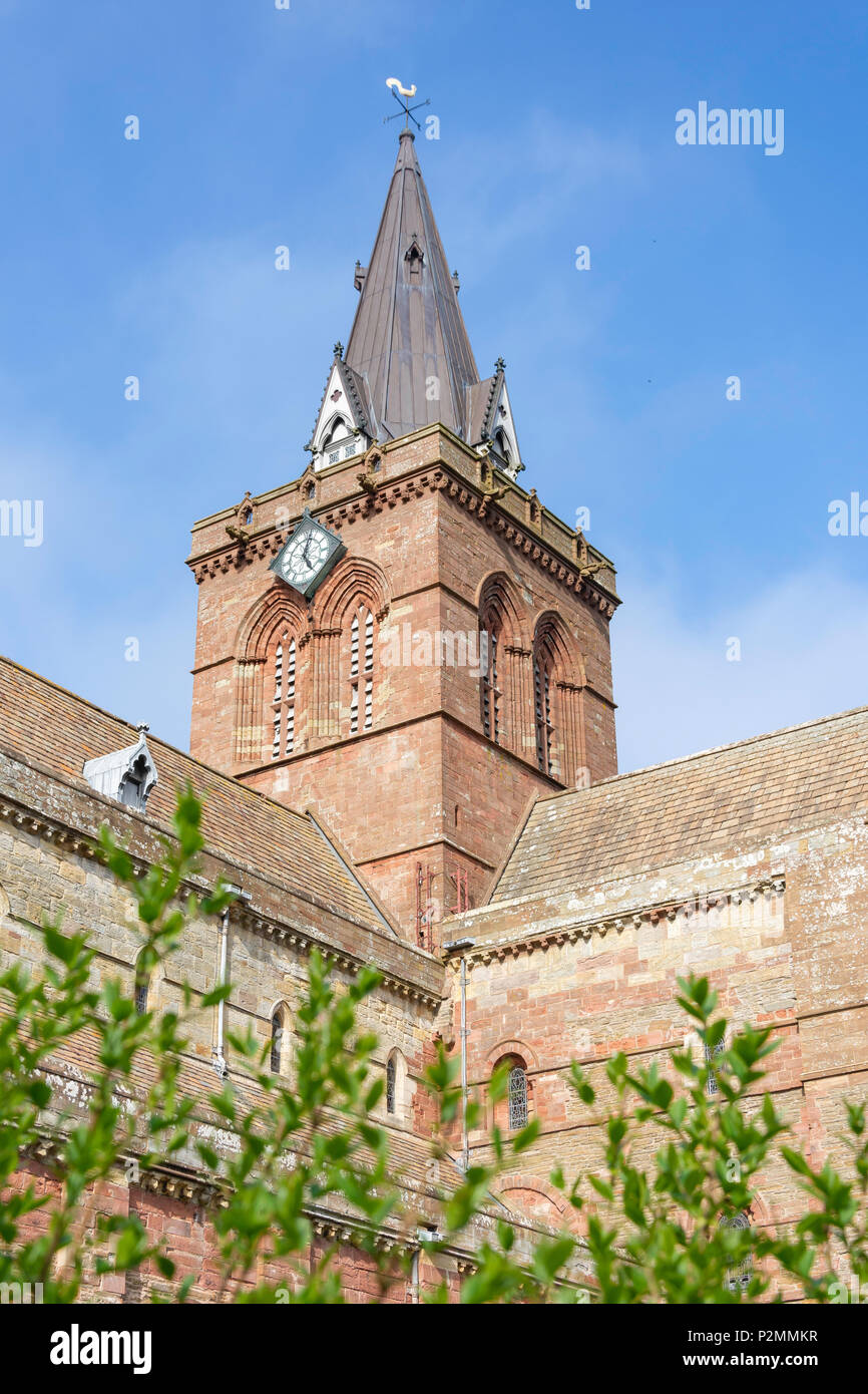 Clock Tower of St Magnus Cathedral, Broad Street, Kirkwall, Mainland, Orkney Islands, Northern Isles, Scotland, United Kingdom - Stock Image