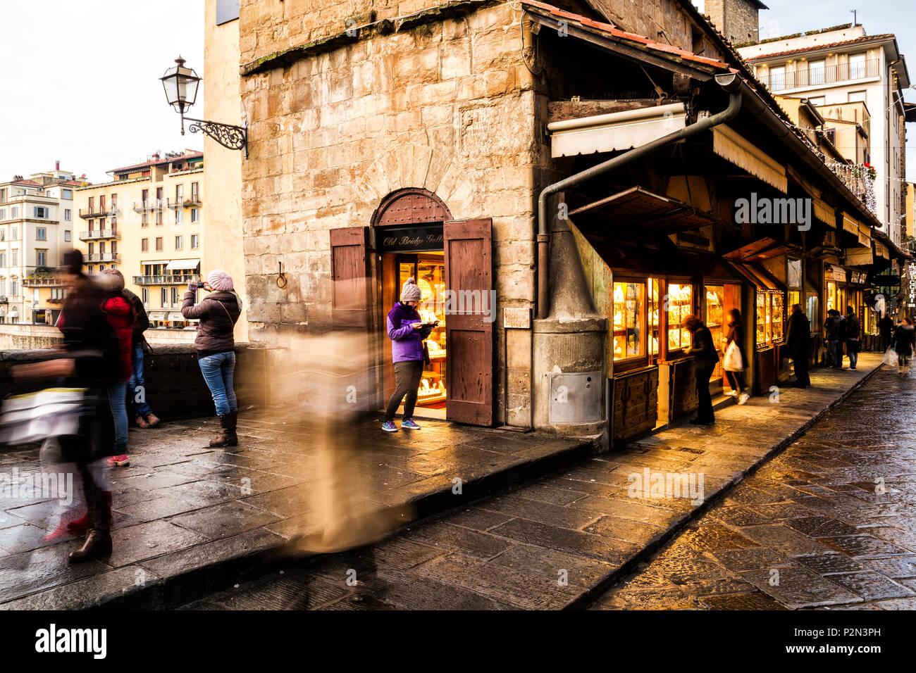 Shops on Ponte Vecchio (Old Bridge). Florence, Province of Florence, Italy. - Stock Image