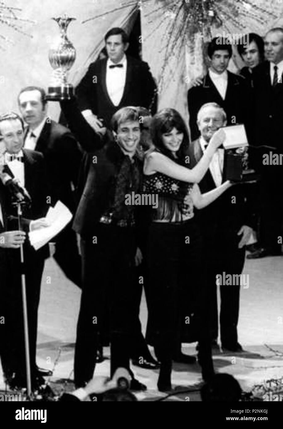 . Adriano Celentano and his wife Claudia Mori win the 1970 Sanremo Music Festival with Chi non lavora non fa l'amore . 28 February 1970. Olycom Press Agency 79 Sanremo 1970 Adriano Celentano Claudia Mori - Stock Image