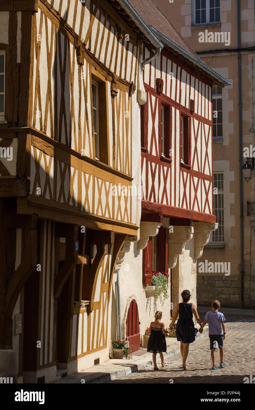 France, Yonne, Morvan region, Avallon, Beautiful half timbered house in the historic city center of Avallon - Stock Image