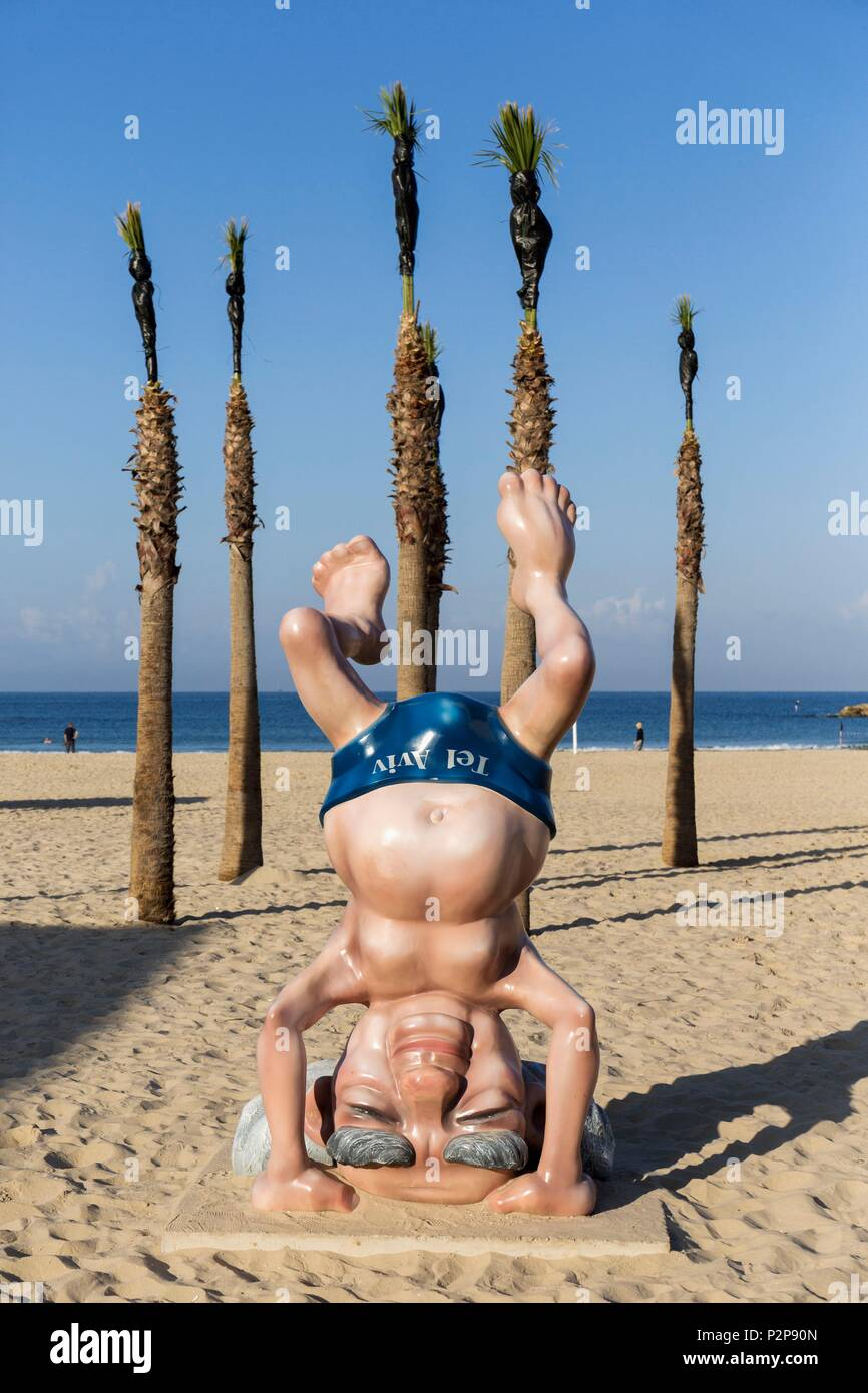 Israel, Tel Aviv, the seaside, the beach, the famous statue of the founder of the State of Israel David Ben Gurion to encourage tourists to visit the museum dedicated to him, the former Prime Minister doing a headstand reproducing a famous photo - Stock Image