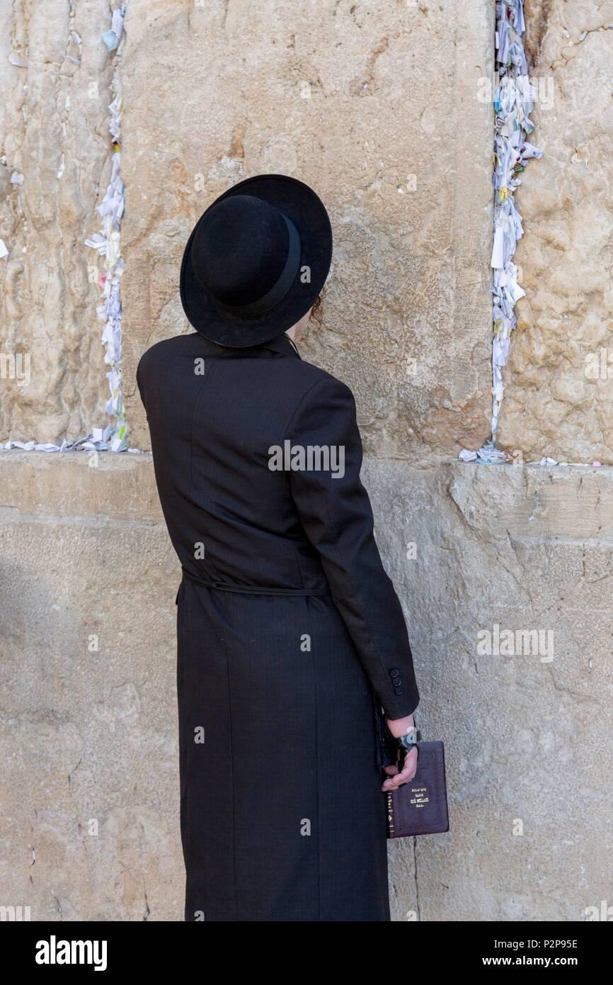 Israel, Jerusalem, UNESCO World Heritage Old Town, Western Wall or Wailing Wall, Praying Man, Hasidic Jew - Stock Image