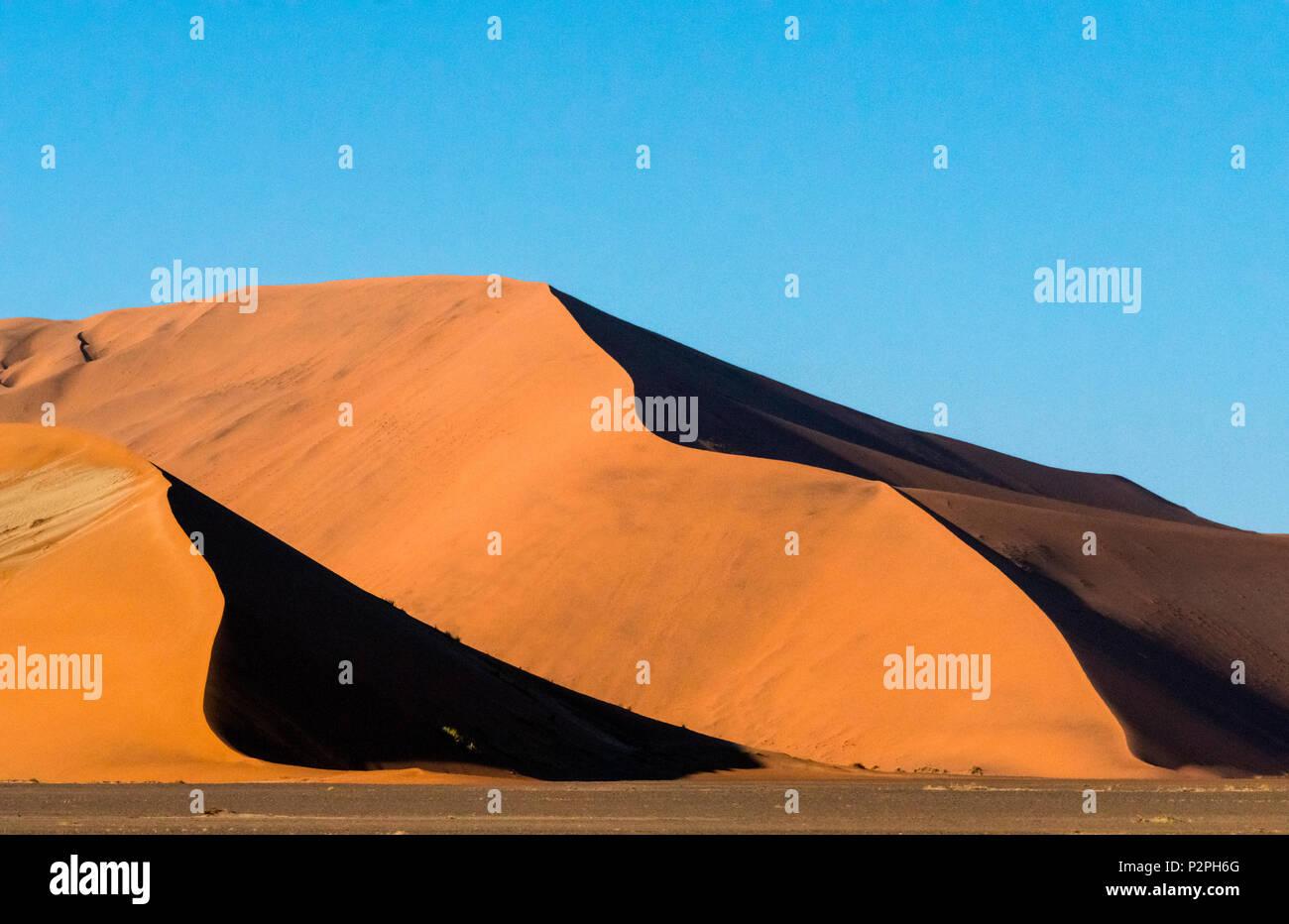 Sand dune 45 in southern Namib Desert, Sossusvlei, Namib-Naukluft National Park, Hardap Region, Namibia Stock Photo